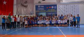 2 lig kadınlar voleybol turnuvası sonaerdi (1)