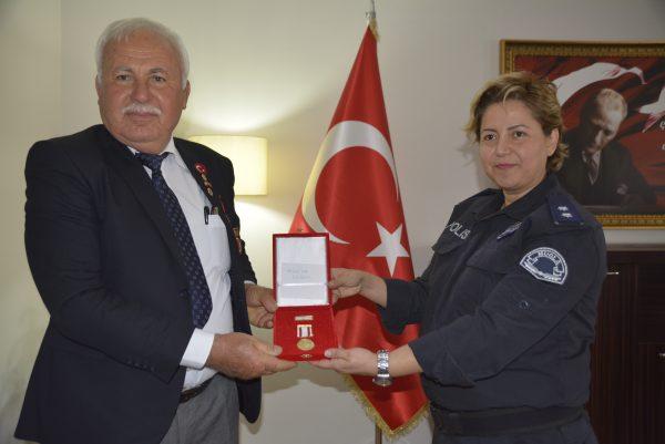 GAZİLERE MADALYA VERİLDİ (17)