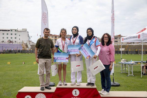 Büyükşehir'in okçuları Türkiye rekoru kırdı (1)