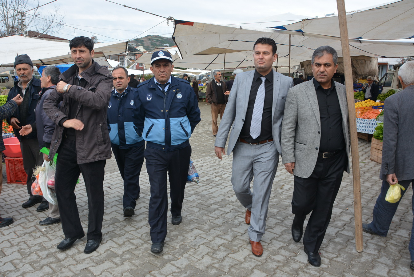 Seydikemer'de Halk Pazarı Esnafının Görüşleri Alındı