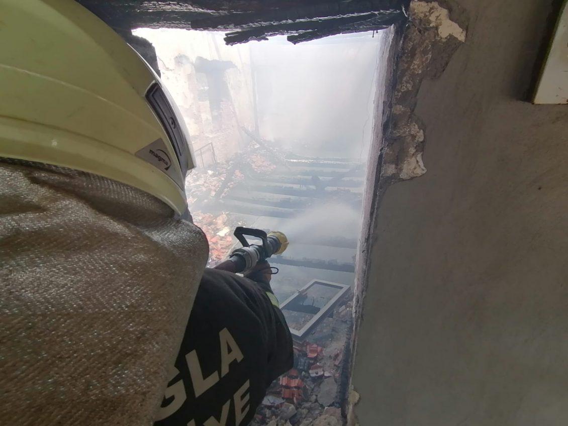 Muğla İtfaiyesi Aydın'daki yangına müdahale etti